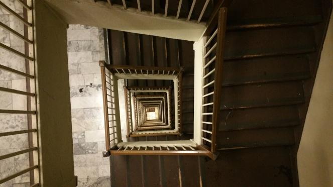 vertigo-circe-denyer-publicdomainpictures-net